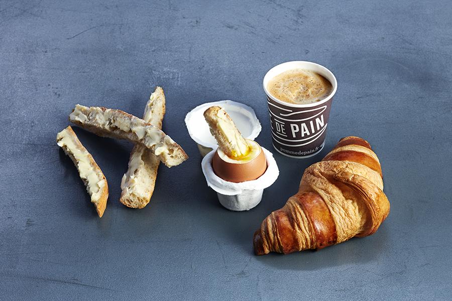 Petit-déjeuner à l'heure française